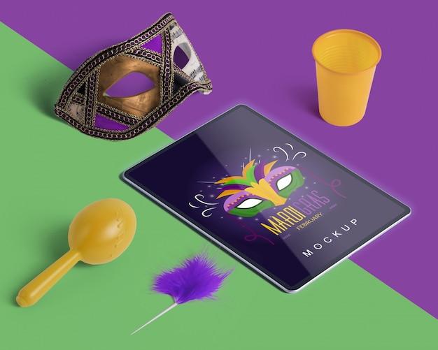 Carnaval-mockup met bewerkbare isometrische voorwerpen