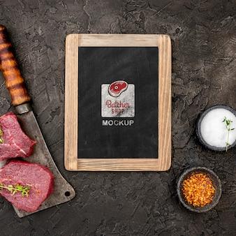 Carnicería de vista superior con carne cruda
