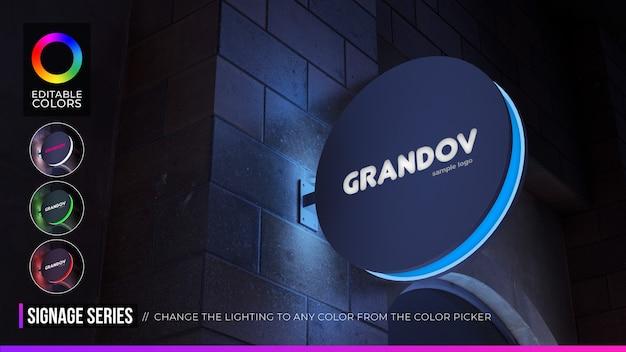 Cartel colgante de maqueta de logotipo circular con color editable en ambiente nocturno