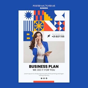 Cartel vertical para negocios con mujer elegante.