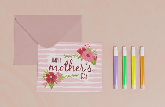 Cartolina d'auguri di festa della mamma vista dall'alto
