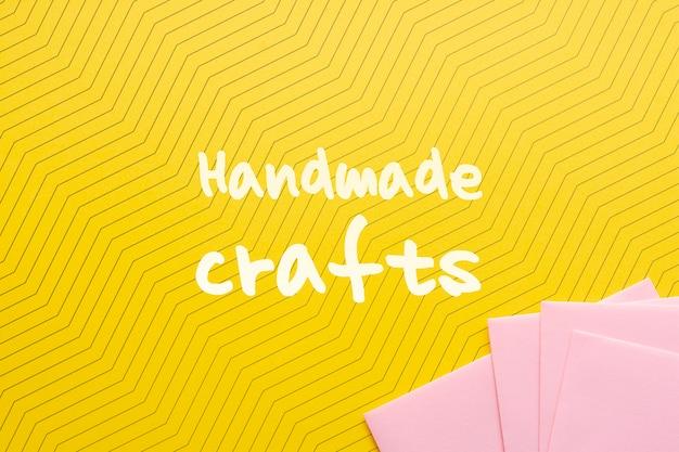 Cartón con mensaje para manualidades hechas a mano.