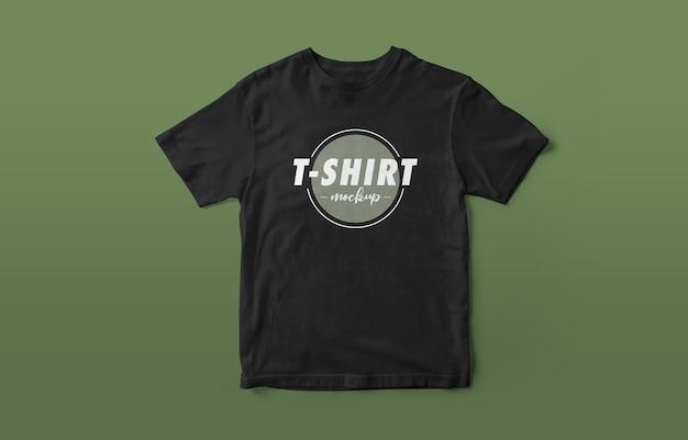 Cerca de la hermosa maqueta del logotipo de la camisa