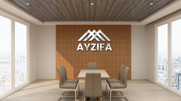 Cerca de la oficina de maqueta de logotipo en la sala de reuniones con diseño interior de madera
