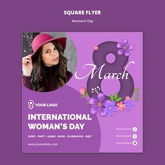 Chica con sombrero flyer cuadrado del día de la mujer