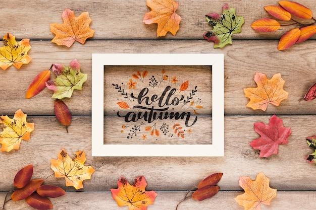 Citazione d'autunno con cornice bianca ciao