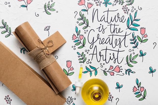 Citazione della natura piatta accanto al cartone
