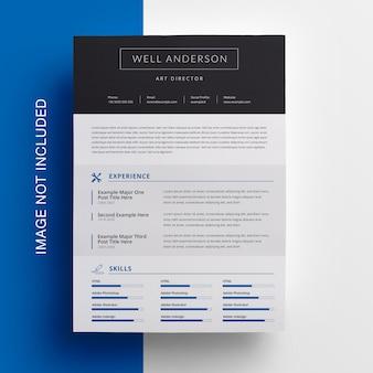 Clean resume design met blauw accent