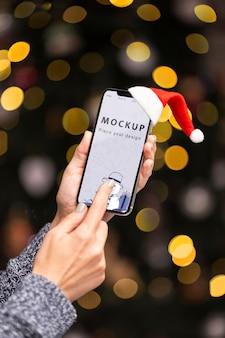Close-up handen met smartphone