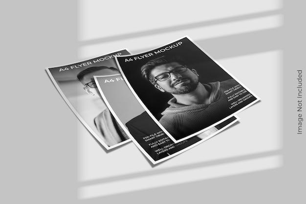 Close-up op flyer brochure mockup met schaduw