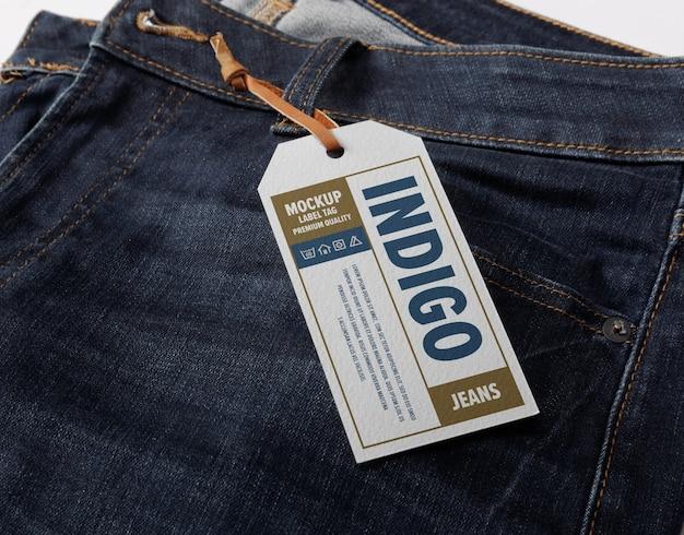 Close-up op label tag mockup