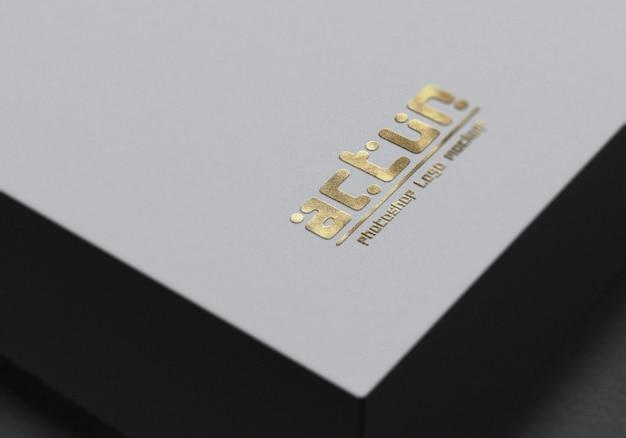 Close-up op logo mockup close-up op een witte doos