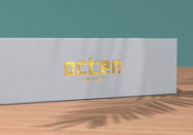 Close-up op logo mockup op witte doos