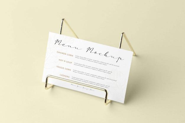 Close-up op menumodel met metalen houder