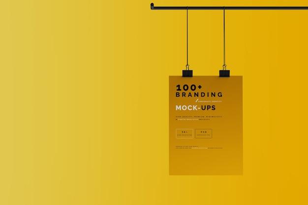 Close-up op verpakking van hangende poster mockup