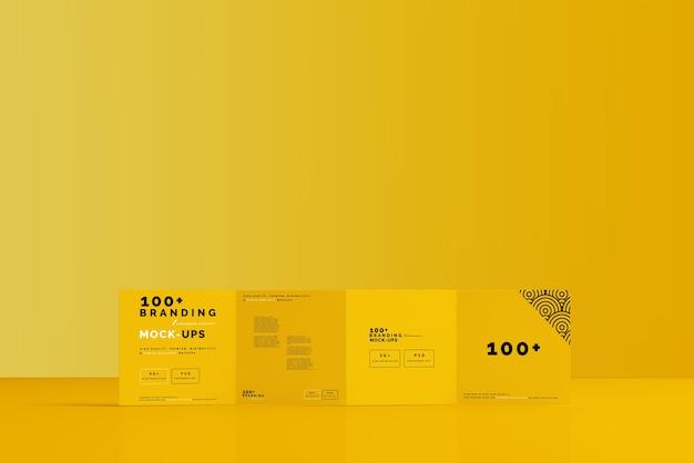 Close-up op verpakking van vier-voudige vierkante brochure-mockup