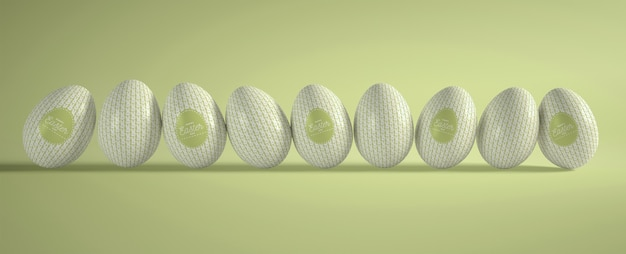 Colección de huevos de pascua de alto ángulo en la mesa