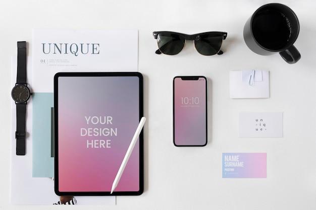 Colección de maquetas de dispositivos digitales empresariales