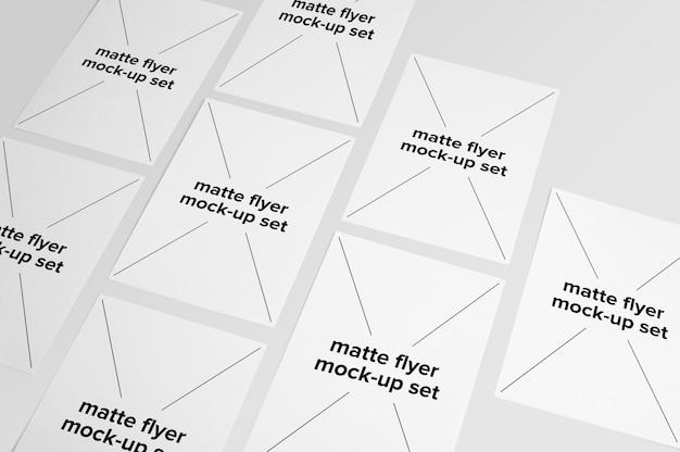 Colección de mock up de folletos mate