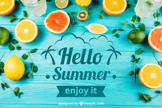 Composición de verano con frutas y copyspace