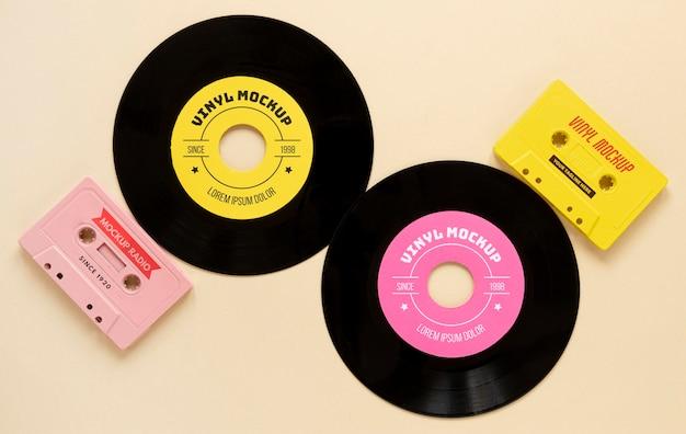 Composición con maqueta de discos de vinilo.