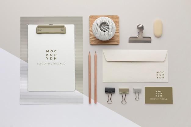 Composición de maqueta de papelería moderna