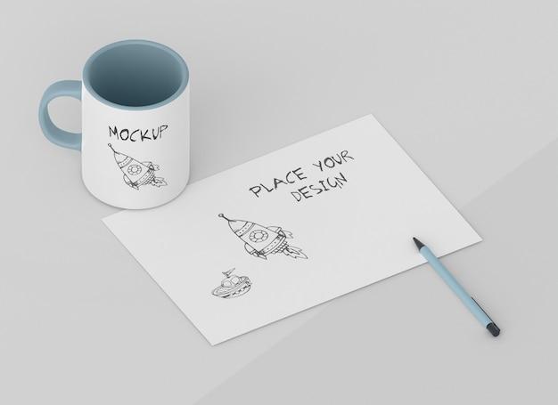 Composición de maqueta de taza personalizada