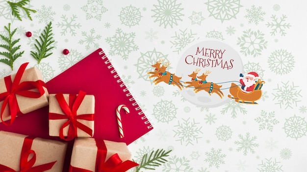 Composición navideña con cajas de regalo