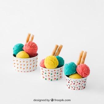 Composizione di gelato di tre tazze