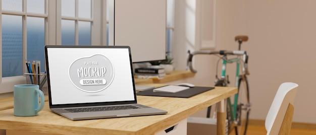 Computadora con pantalla de maqueta en la mesa de oficina