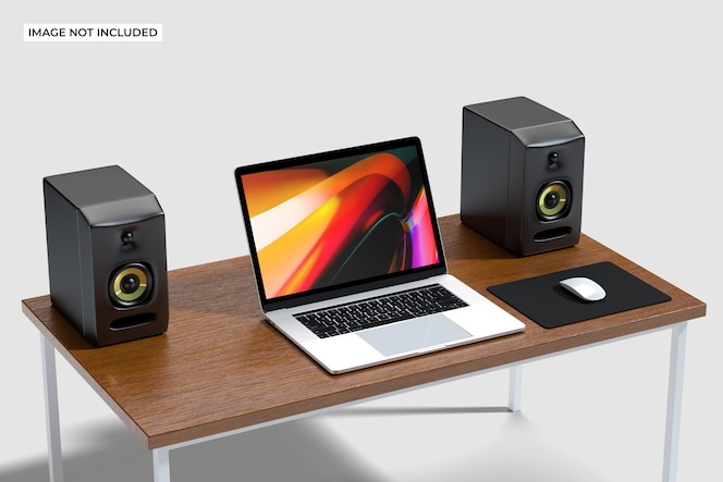 Computer op houten bureau