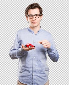 Concept van een jonge man en een autoverzekering