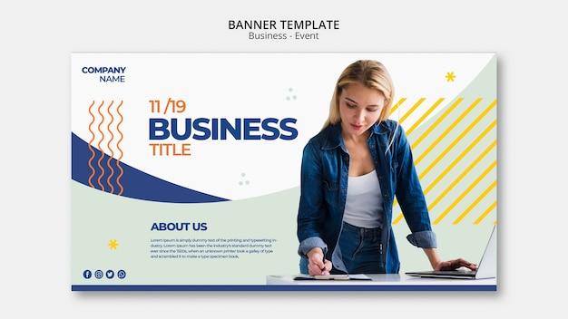 Concepto de banner de evento empresarial con mujer trabajando