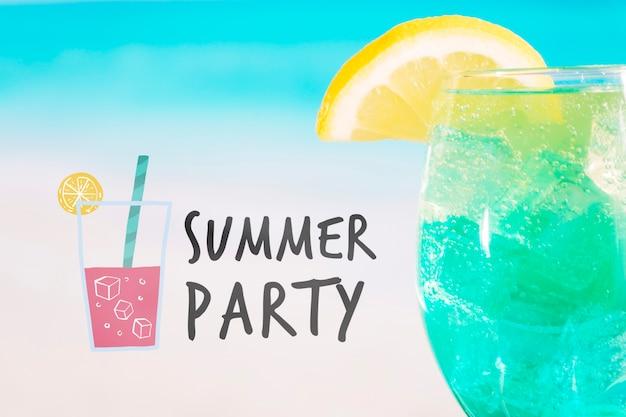 Concepto de cóctel de verano con mockup de copyspace