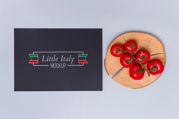 Concepto de comida italiana con tomates