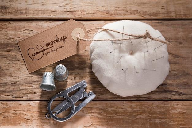 Concepto de costura con agujas