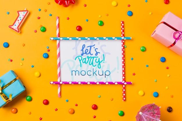 Concepto de cumpleaños vista superior con dulces