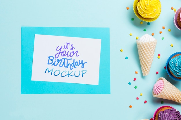Concepto de cumpleaños vista superior con helado
