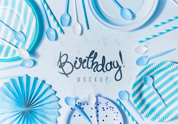Concepto de cumpleaños de vista superior con maqueta