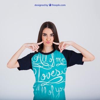Concepto femenino de estampado de camiseta