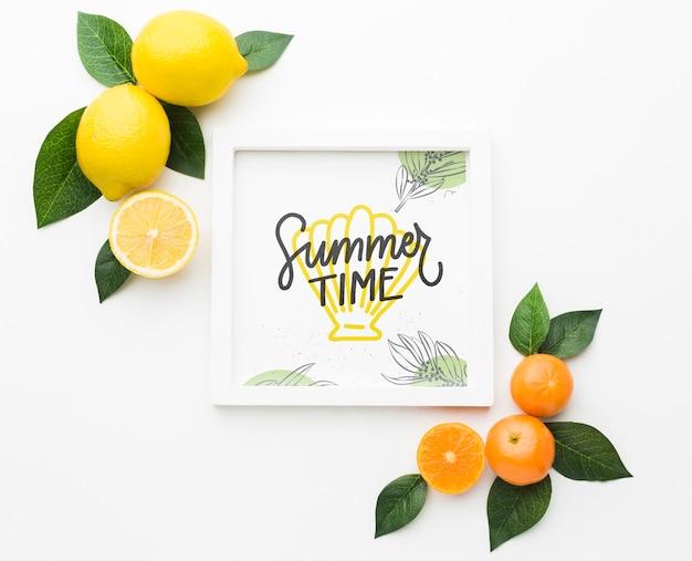 Concepto de horario de verano con frutas frescas