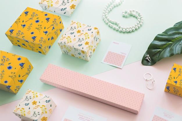 Concepto de mockup de joyería y packaging