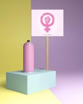Concepto de poder femenino con maqueta de signo