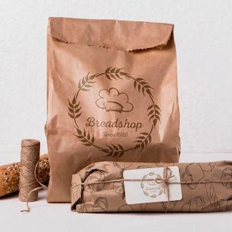 Concepto de productos de panadería con maqueta