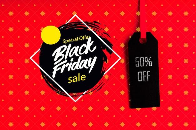 Concepto de viernes negro con etiqueta de precio