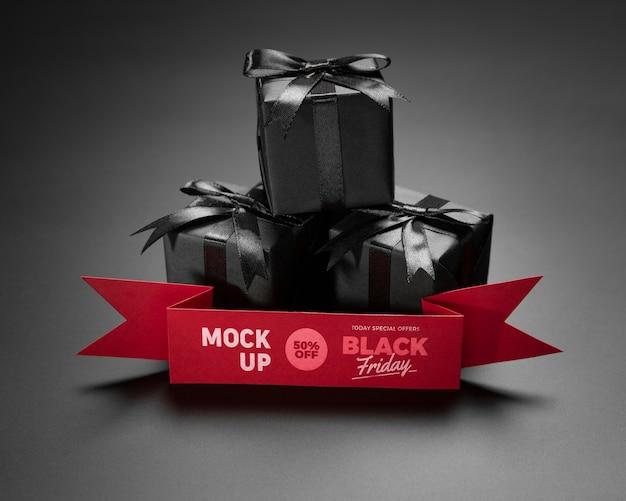 Concepto de viernes negro con maqueta