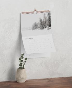 Concetto del calendario come collegamento a spirale del libro