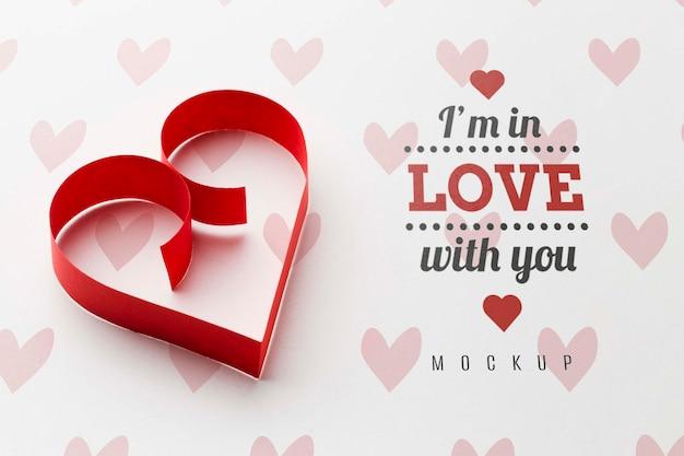 Concetto di amore mock-up a forma di cuore