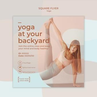 Concetto di modello di volantino yoga