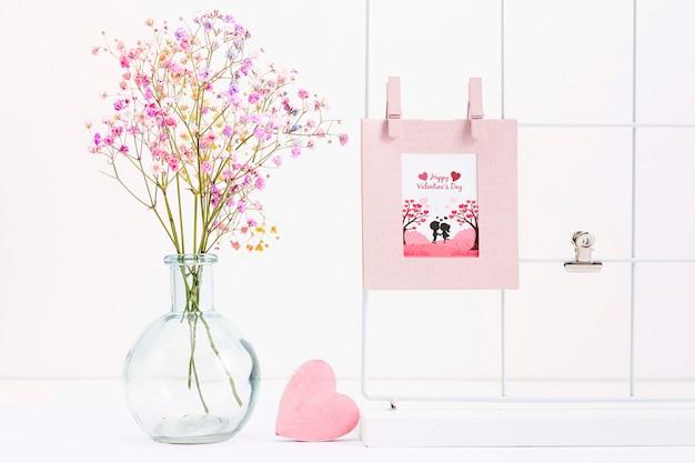 Concetto di san valentino con bellissimi fiori